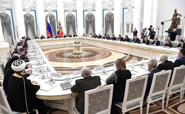 Юрий Воробьев принял участие взаседании оргкомитета «Победа» вКремле