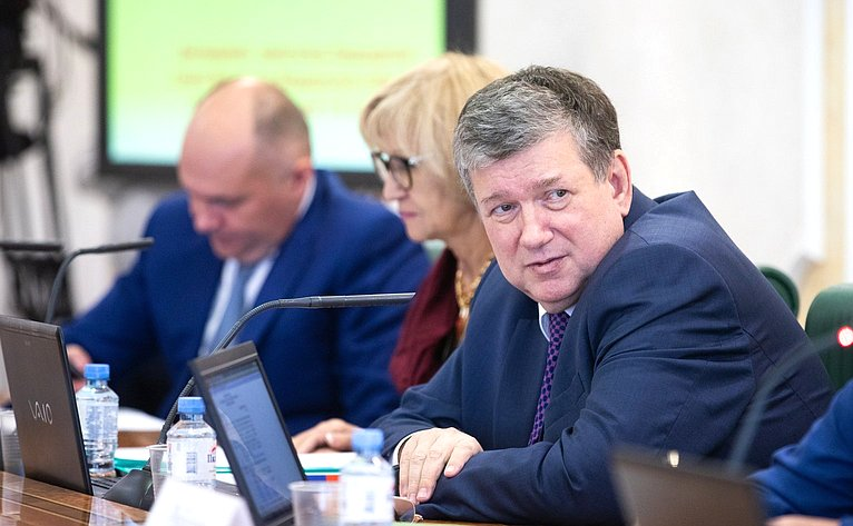 Заместитель Председателя Совета Федерации Евгений Бушмин, 2018