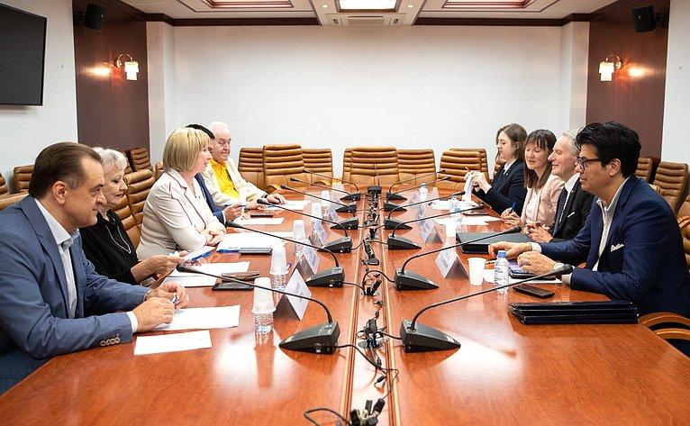 Рабочая встреча Риммы Галушиной сректором Урбинского университета имени Карло Бо