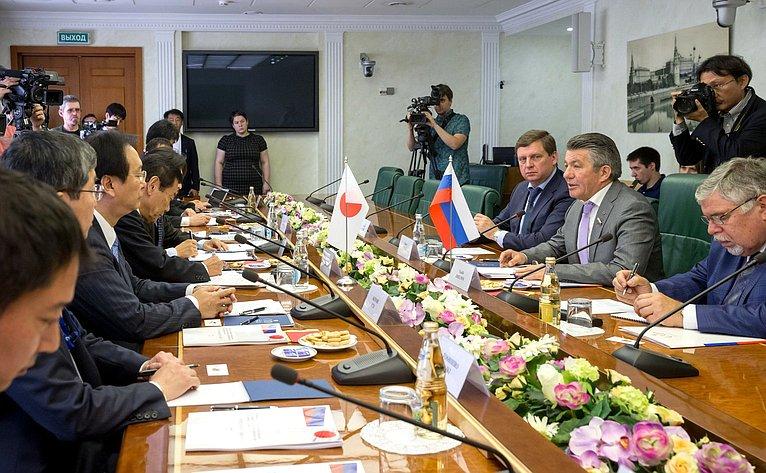 Встреча В. Озерова сделегацией Палаты Представителей Японии