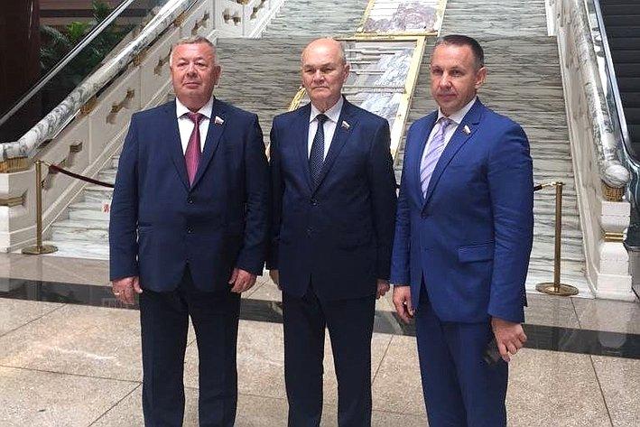 М. Щетинин иделегация СФ вКитае