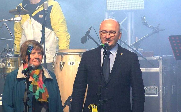 Олег Цепкин поздравил горожан сюбилеем атомной промышленности