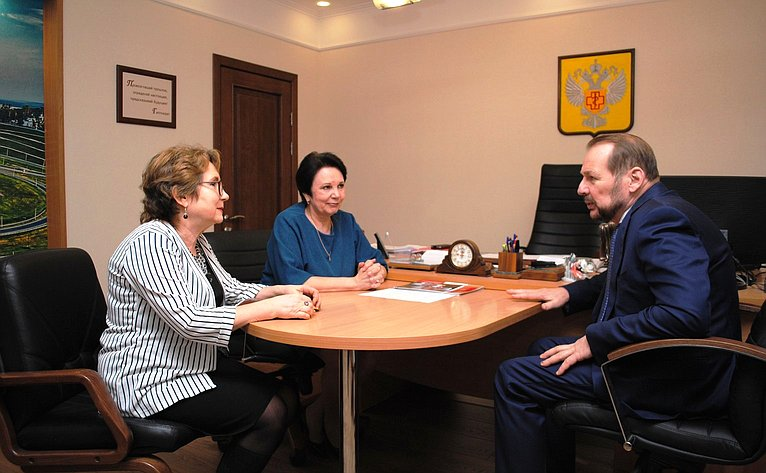Сергей Белоусов посетил «Центр гигиены иэпидемиологии» вУправлении Роспотребнадзора поАлтайскому краю
