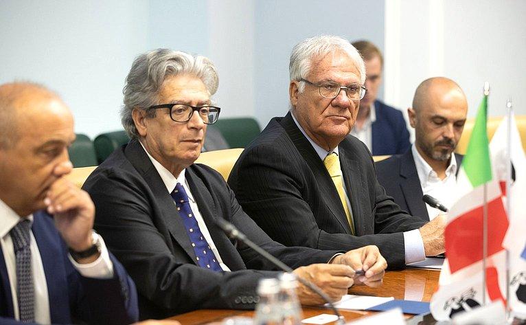 Встреча Юрия Волкова сминистром туризма иторговли, представителем президента Сардинии (Итальянская Республика) Джанни Кессой