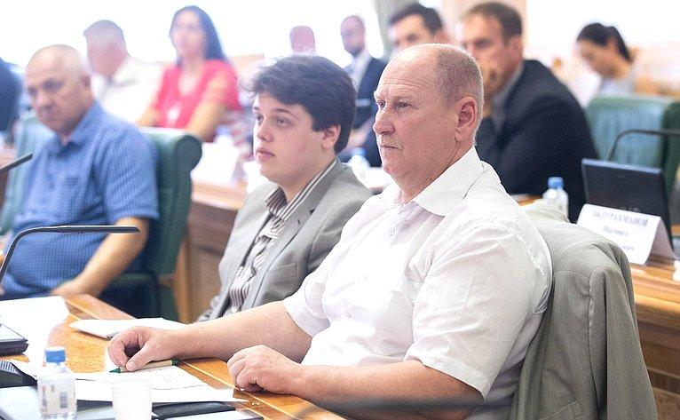 «Круглый стол» натему «Ороли фермеров впространственном развитии сельских территорий исоциальном развитии села»