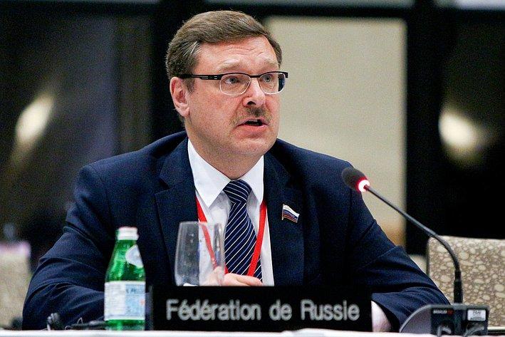 К. Косачев на24-й сессии АТПФ вВанкувере (Канада)