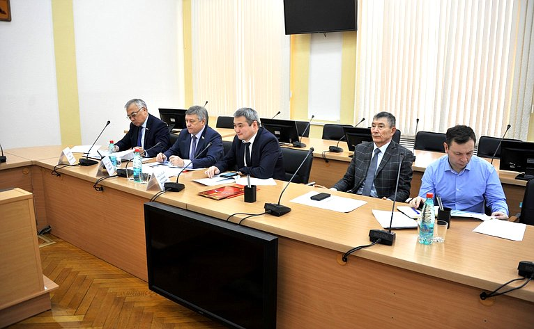 Баир Жамсуев иСергей Михайлов приняли вЧите участие врабочем совещании повопросам газификации региона