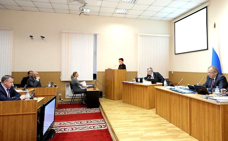 Татьяна Кусайко выступила назаседании Мурманской областной Думы сежегодным отчетом опроделанной работе