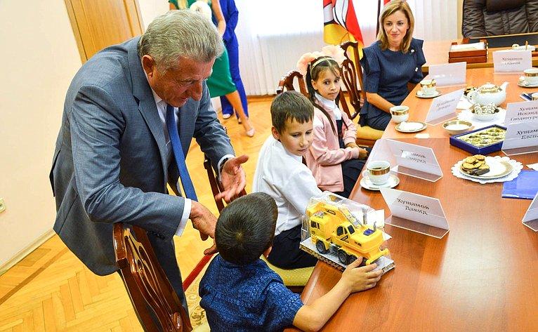 Сергей Лукин принял участие вежегодной всероссийской акции «Собери ребёнка вшколу»