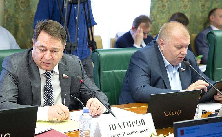 С. Шатиров иИ. Панченко