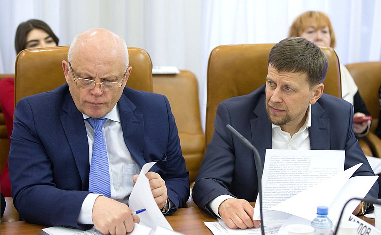 Виктор Назаров иВадим Харлов