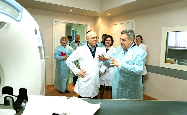 Александр Ракитин осмотрел Медвежьегорскую центральную районную больницу
