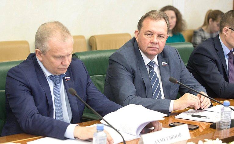 И. Ахметзянов иВ. Павленко