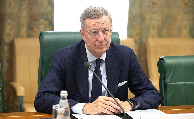 Исполнительный директор Восточного комитета германской экономики Михаэль Хармс