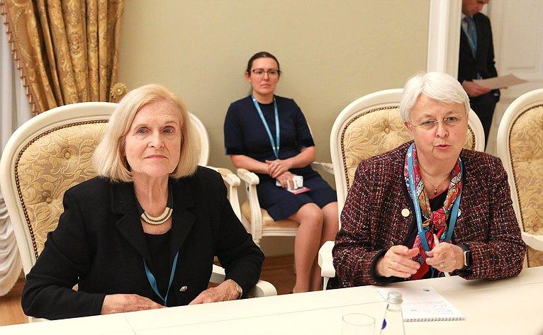 Валентина Матвиенко встретилась спрезидентом Национального Фонда мира (США) Сарой Хардер