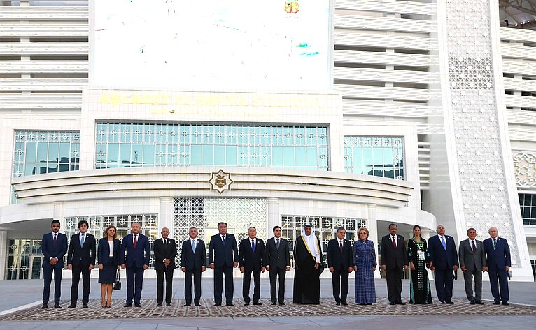 В. Матвиенко посетила церемонию открытия V Азиатских игр взакрытых помещениях ипобоевым искусствам вАшхабаде