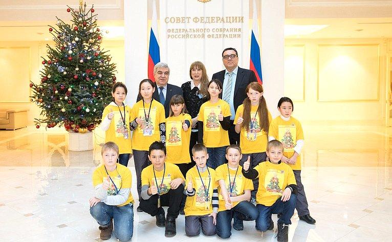 С. Иванов провел встречу сдетьми изМагаданской области