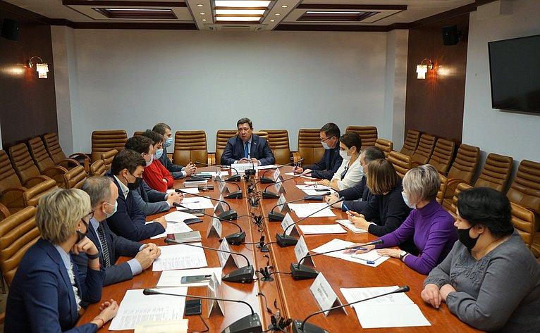 Владимир Полетаев провел совещание поподготовке кДням Республики Алтай вСФ