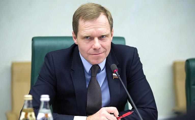 Встреча А. Кутепова спредседателем Комитета Государственного собрания Венгрии повопросам юстиции И. Вейкей
