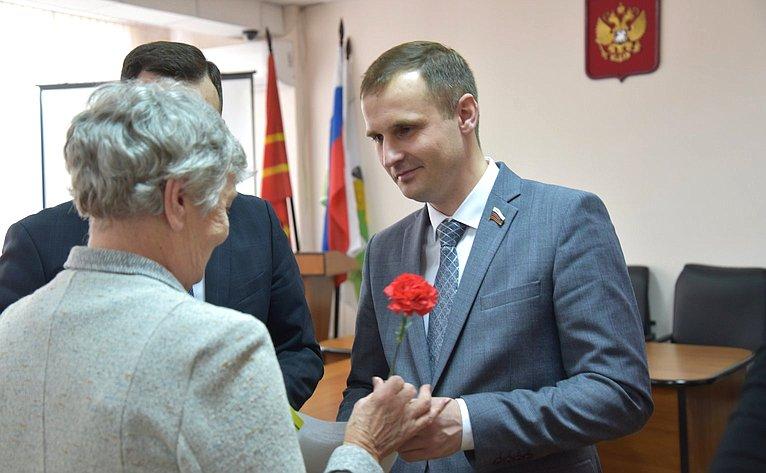 Сергей Леонов принял участие вторжественном вручении медалей ветеранам Великой Отечественной войны