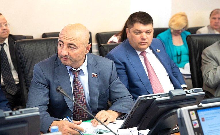 А. Вайнберг иД. Василенко