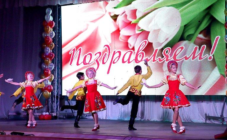 Торжественное мероприятие, посвященное Дню учителя вЦентре детского творчества Промышленного района города Оренбурга
