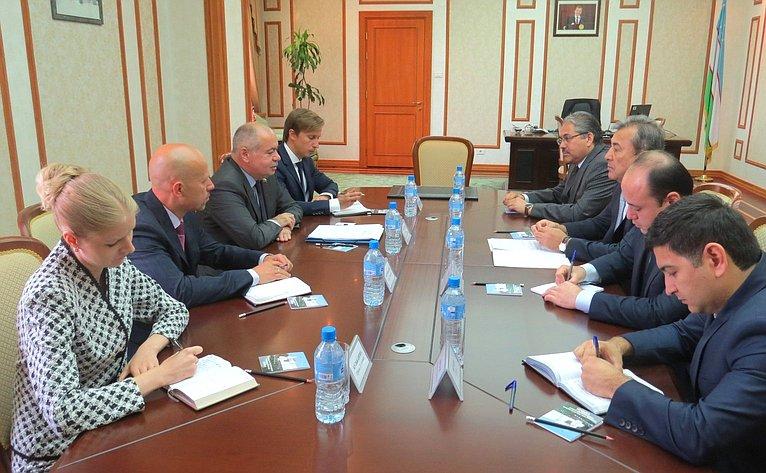И. Умаханов ипарламентарии Узбекистана