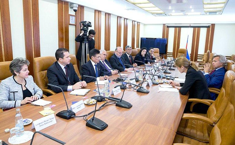 Алексей Пушков провел встречу сгруппой послов стран Латинской Америки иКарибского бассейна