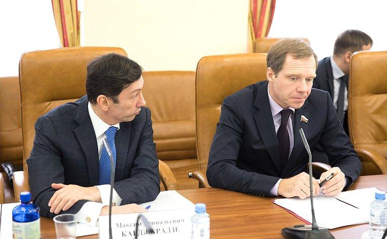 М. Кавджарадзе иА. Кутепов