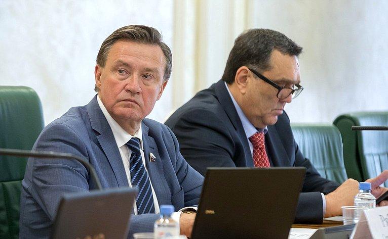 С. Рябухин иС. Иванов