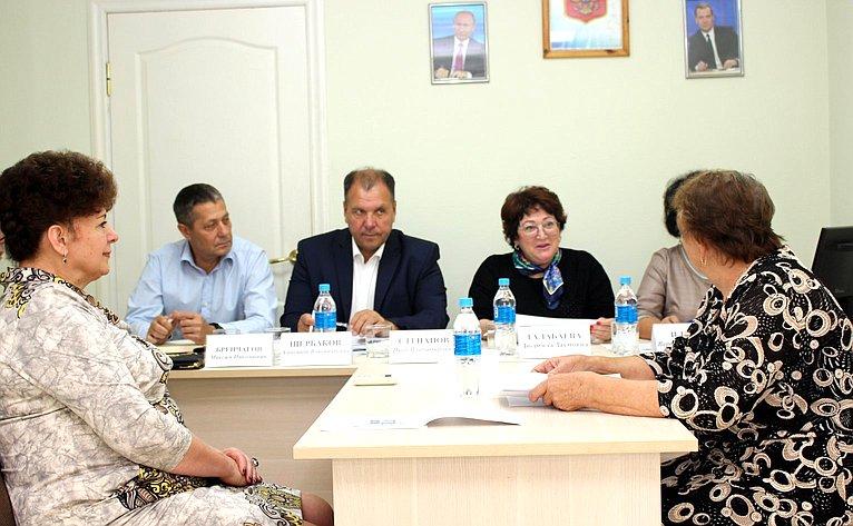 Людмила Талабаева провела прием граждан вХасанском муниципальном районе Приморского края