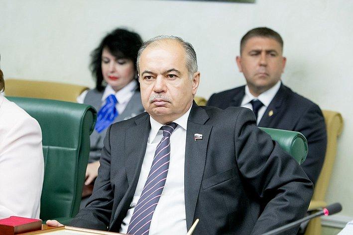 В Совете Федерации состоялось подписание Соглашения о сотрудничестве с Российским государственным университетом правосудия. Умаханов
