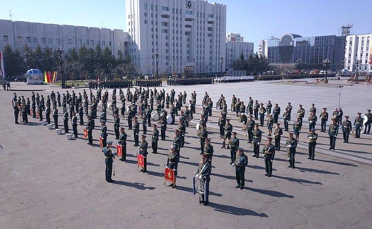 ВХабаровске прошел военный парад вознаменование 73-й годовщины Победы вВеликой Отечественной войне