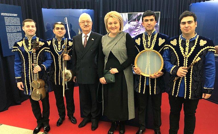 Лилия Гумерова приняла участие воткрытии выставки, посвященной 25-летию установления дипломатических отношений между Российской Федерацией иАзербайджанской Республикой