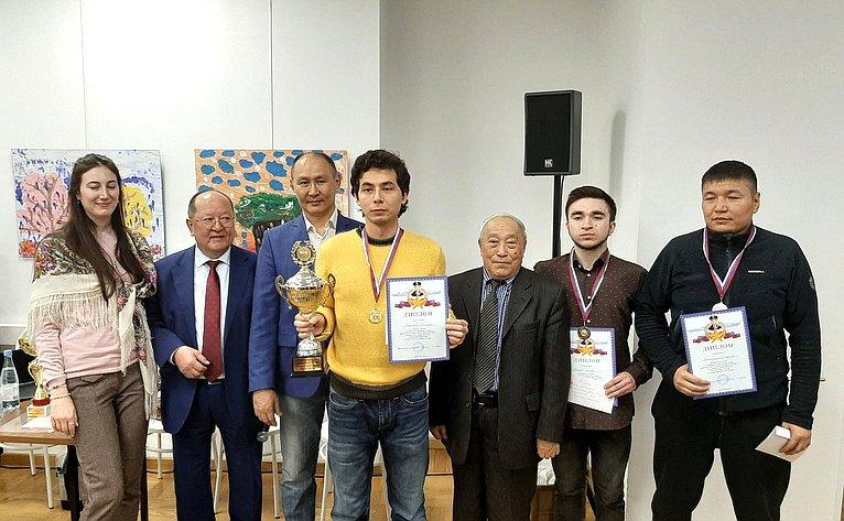 Баир Жамсуев принял участие впроведении турнира пошахматам памяти Героя России Алдара Цыденжапова