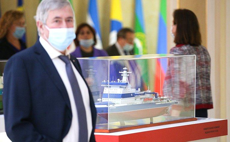 Выставка вСовете Федерации экспонатов Объединенной судостроительной корпорации