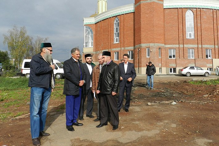 Александр Волков по приглашению Регионального духовного управления мусульман Удмуртии посетил строящуюся в Ижевске мечеть
