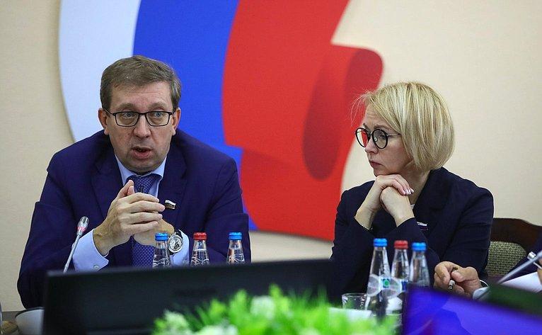 Алексей Майоров иИрина Гехт
