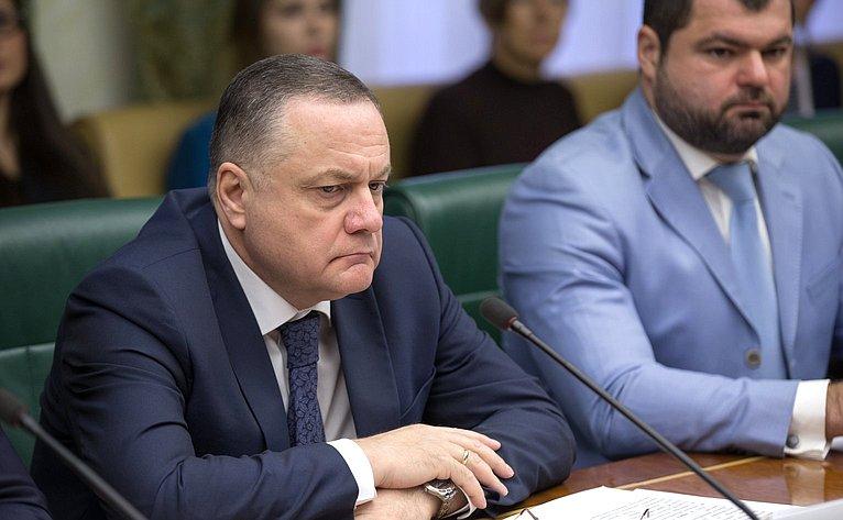 В. Артамонов