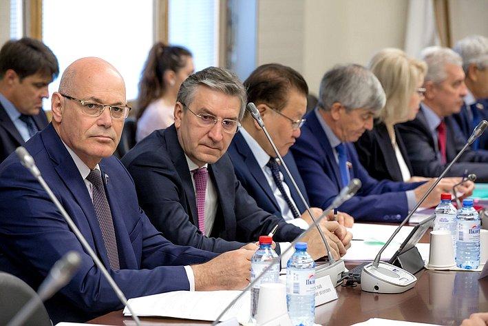 Владимир Круглый принял участие взаседании рабочей группы посовершенствованию законодательства всфере лекарственного обеспечения граждан