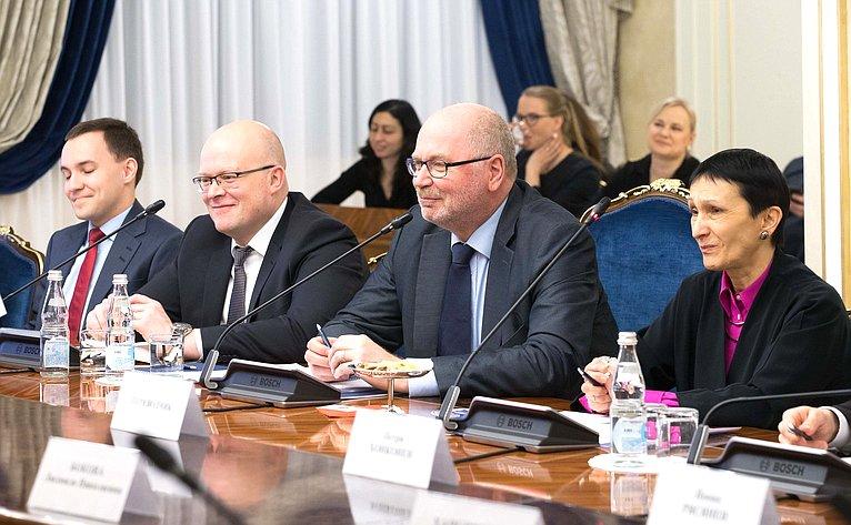 Встреча Н. Федорова сруководителем парламентской группы «Финляндия– Россия» Э. Хейнялуомой