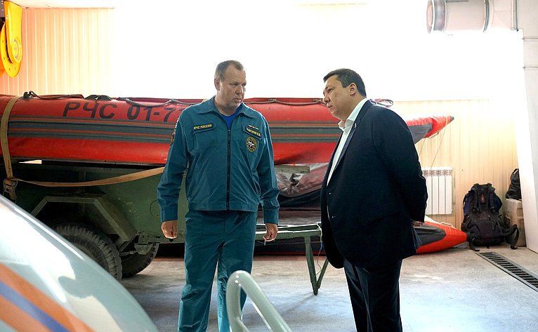 Владимир Полетаев встретился ссотрудниками министерства внутренних дел иМЧС поРеспублике Алтай