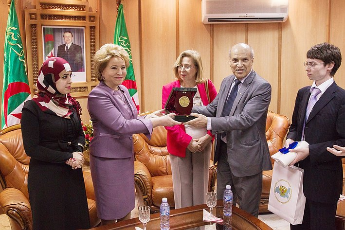 Визит делегации СФ в Алжир 18