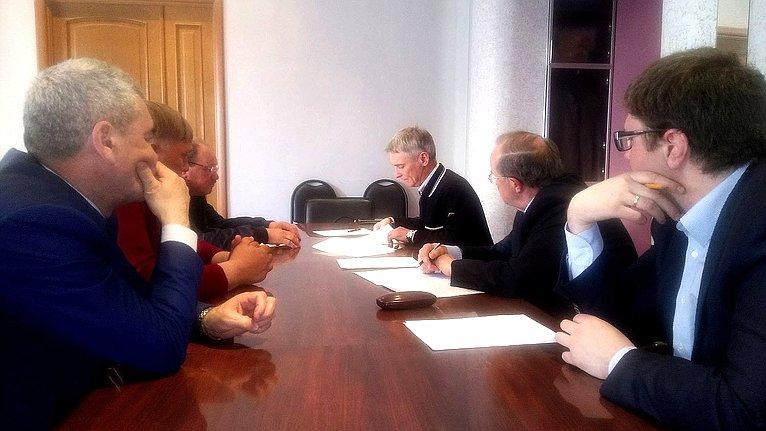 Сергей Фабричный врамках региональной недели встретился слесозаготовителями изХолмского района