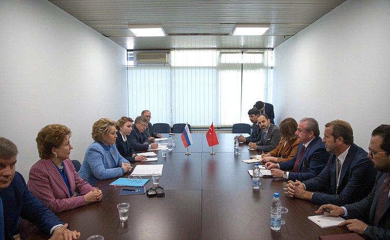 Валентина Матвиенко провела встречу сПредседателем Великого национального собрания Турции Мустафой Шентопом