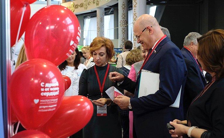 Владимир Круглый принял участие ввыставке-форуме «60 Плюс. Здоровье идолголетие» вУфе