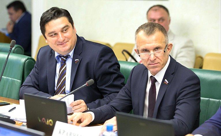 А. Коротков иВ. Кравченко