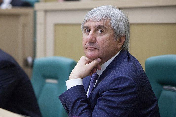 Сенатор от Республики Ингушетия Ахмет Паланкоев. 353-е  заседание Совета Федерации