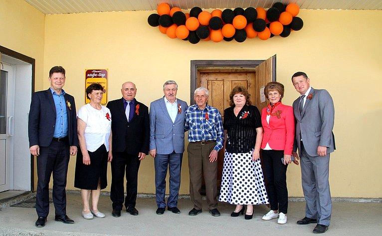 Татьяна Гигель поздравила ветеранов Великой Отечественной войны вЧойского района сДнем Победы