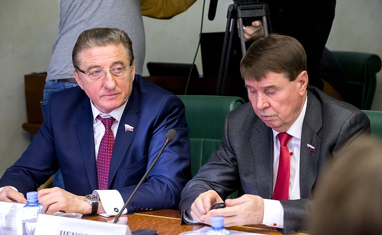 С. Лукин иС. Цеков